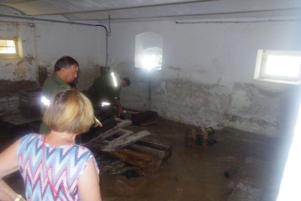 Keller musste nach Wasserrohrbruch...