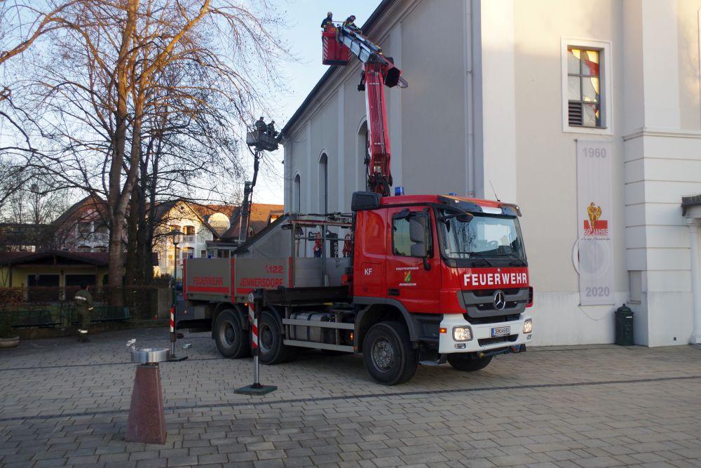 Stadtpfarrkirche Jennersdorf hat...