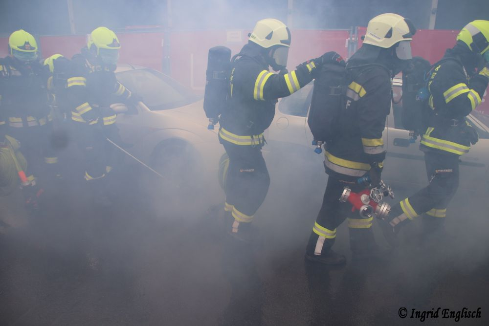 Lehrgang für Tunnelbrandbekämpfung...