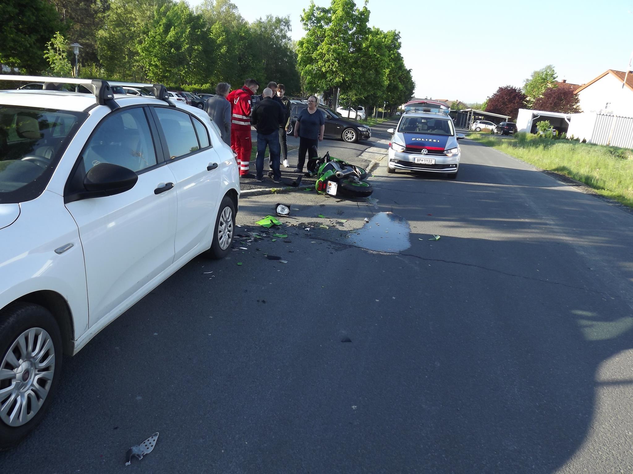 Motorradunfall in der Schulstr...