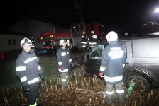 Eingeklemmter PKW-Lenker auf Umfahrungsstraße in Jennersdorf_21