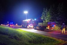 Fahranfänger landete nach Unfall mit Fahrzeugdach in einer Baumgruppe_2