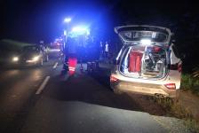 Fahranfänger landete nach Unfall mit Fahrzeugdach in einer Baumgruppe_3