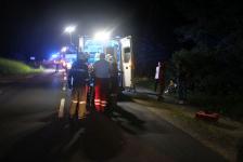 Fahranfänger landete nach Unfall mit Fahrzeugdach in einer Baumgruppe_4