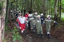 Jugendlicher Mountainbikefahrer verletzte sich bei Sturz auf Baumstumpf_2