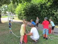 Kinder besuchten während Ferienbetreuung die Stadtfeuerwehr_4