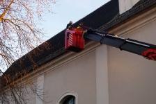 Stadtpfarrkirche Jennersdorf hat wieder funktionstüchtige Dachrinnen_5