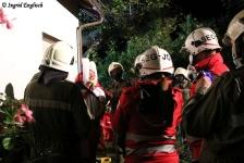 Zwei Personen aus Baumkrone gerettet_35